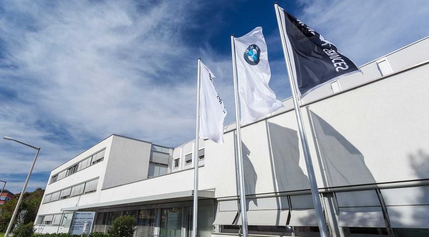 BMW-Bank-3.jpg