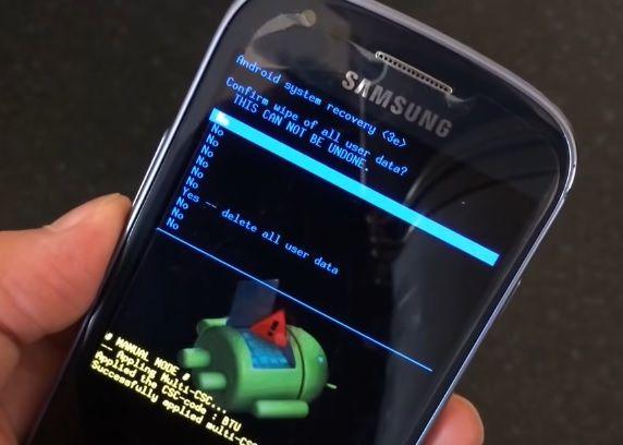 sbros-nastroek-samsung-galaxy-s3-mini-androidphone.su-02.jpg.pagespeed.ce_.lI1fTSxqCV.jpg