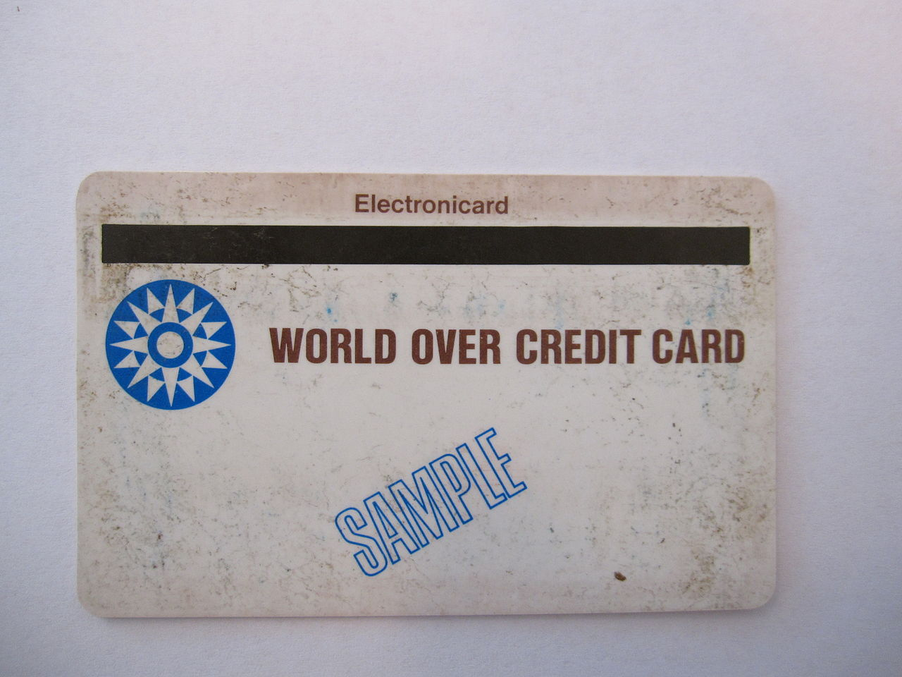 1280px-2._Front_of_first_mag_striped_encoded_plastic_card.jpg